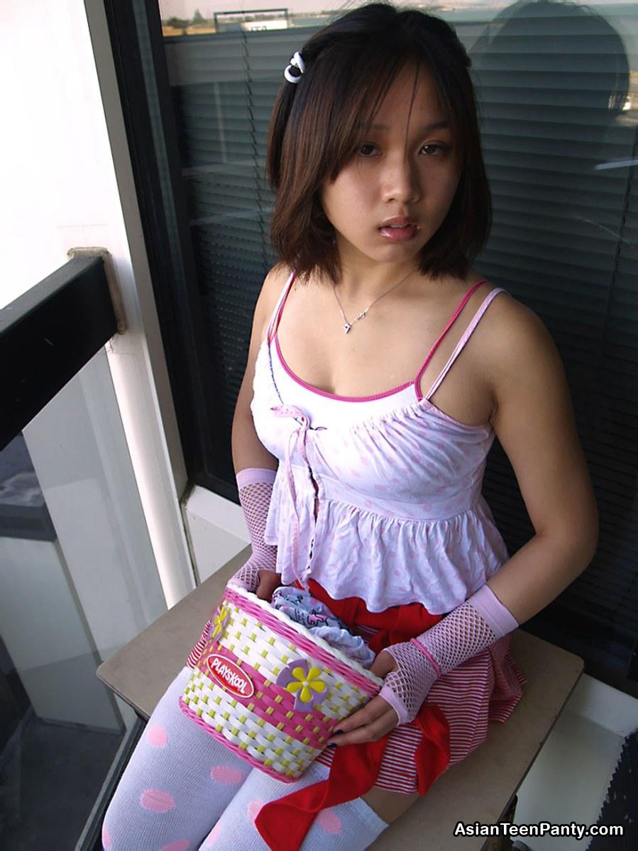 Tgp Sleeping Hot Teen Panties 57